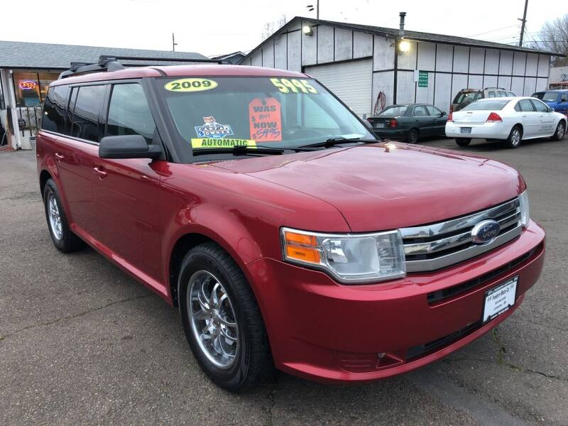 2009 Ford Flex for sale at Freeborn Motors in Lafayette, OR