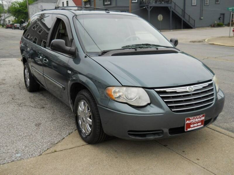 2007 Chrysler Town and Country for sale in New Richmond, OH