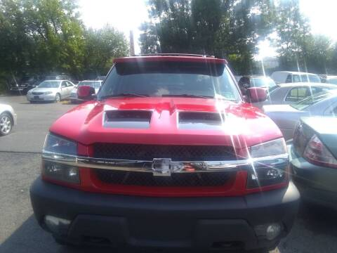 2004 Chevrolet Avalanche for sale at Wilson Investments LLC in Ewing NJ