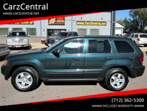 2005 Jeep Grand Cherokee for sale at CarzCentral in Estherville IA
