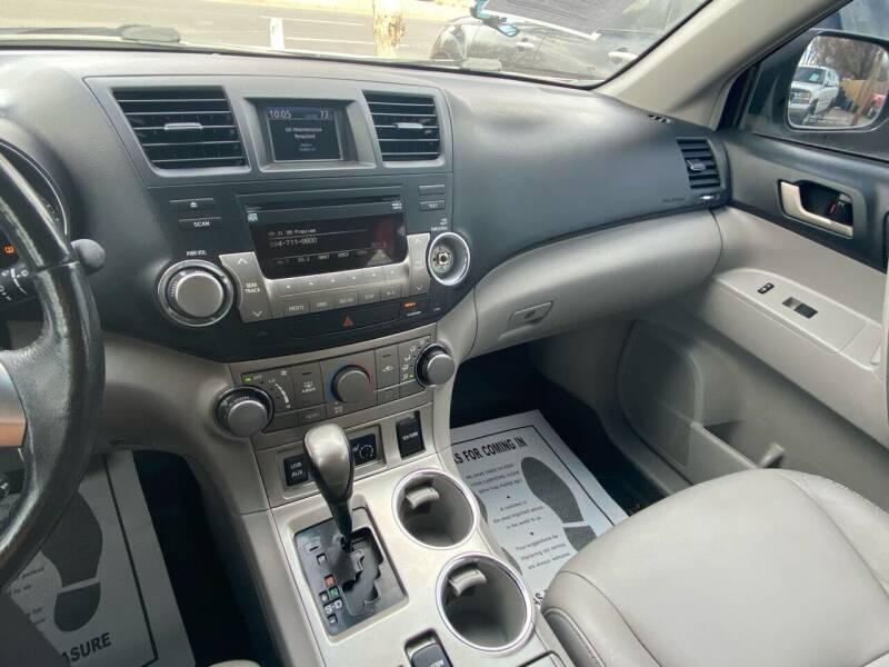 2011 Toyota Highlander AWD 4dr SUV - Lakewood CO