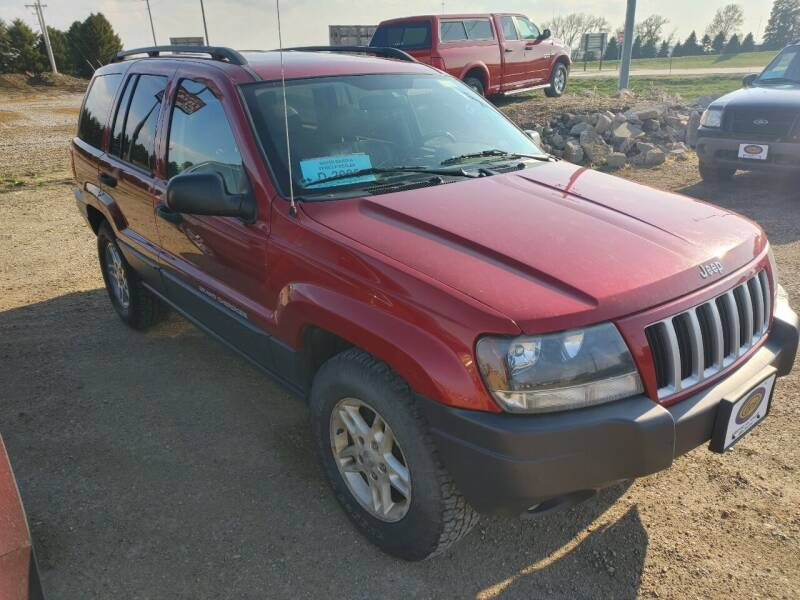 2004 Jeep Grand Cherokee for sale at BERG AUTO MALL & TRUCKING INC in Beresford SD