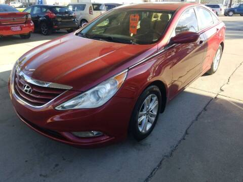 2013 Hyundai Sonata for sale at SpringField Select Autos in Springfield IL