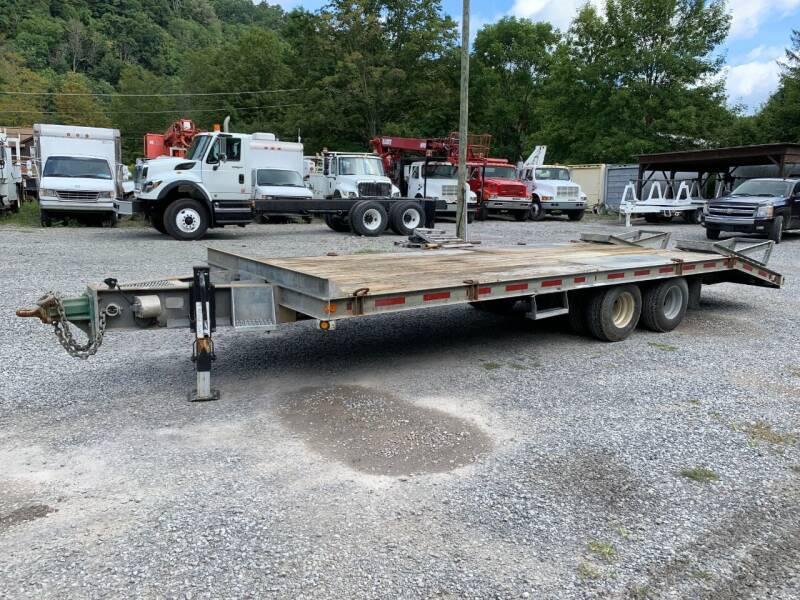 1999 Sauber 1580 for sale at Henderson Truck & Equipment Inc. in Harman WV
