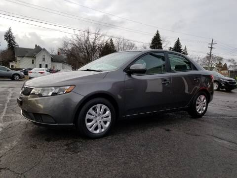 2013 Kia Forte for sale at DALE'S AUTO INC in Mt Clemens MI