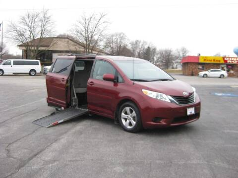 2013 Toyota Sienna for sale at AUTOFARM MINIVAN SUPERSTORE in Middletown IN