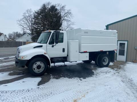 2003 International DuraStar 4200 for sale at MOES AUTO SALES in Spiceland IN