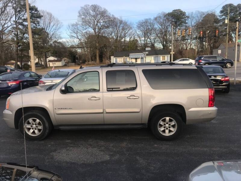 2008 GMC Yukon XL for sale at Dad's Auto Sales in Newport News VA