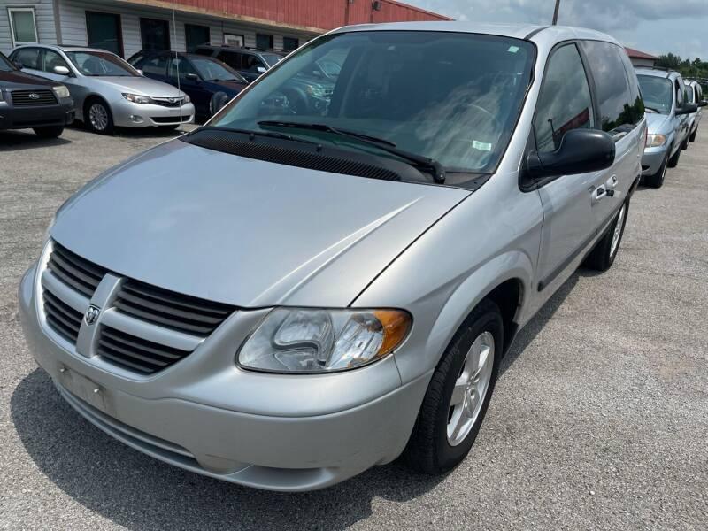 2005 Dodge Caravan for sale at Best Buy Auto Sales in Murphysboro IL