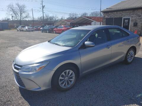 2016 Toyota Camry for sale at VAUGHN'S USED CARS in Guin AL