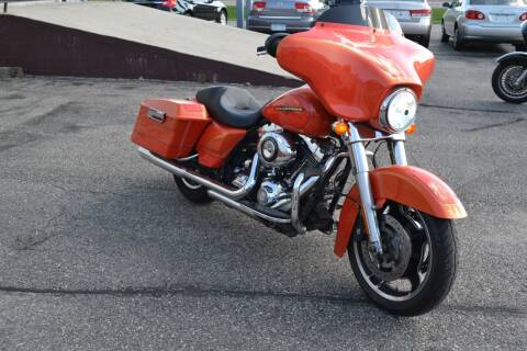 2011 Harley-Davidson Street Glide for sale at Dave's Auto Sales in Winthrop MN