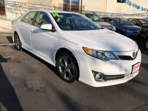 2014 Toyota Camry for sale at Riverside Wholesalers 2 in Paterson NJ