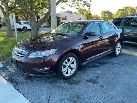 2011 Ford Taurus for sale at Lakeshore Auto Wholesalers in Amherst OH