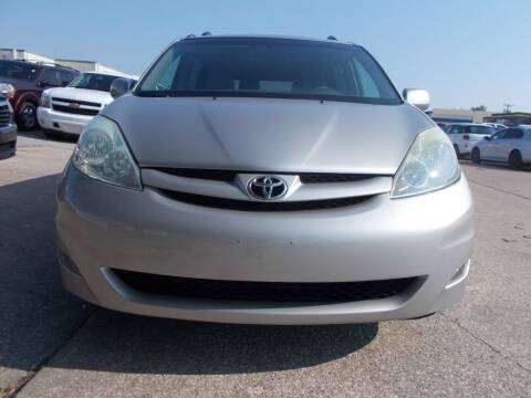 2006 Toyota Sienna for sale at ACH AutoHaus in Dallas TX