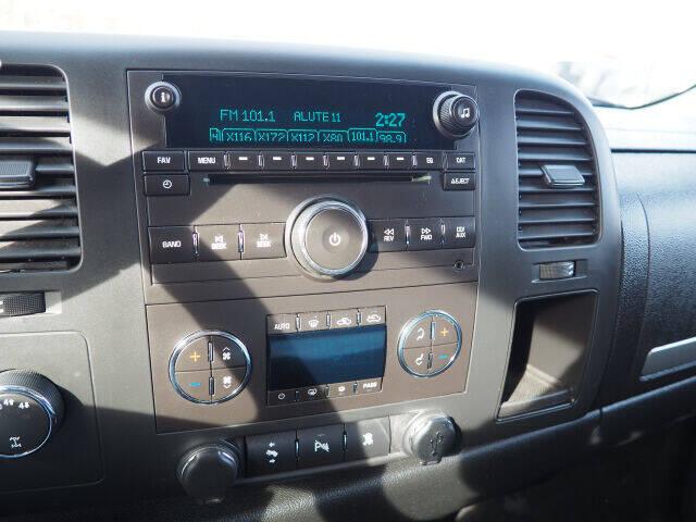 2011 Chevrolet Silverado 1500 4x4 LT 4dr Extended Cab 6.5 ft. SB - Cortland OH