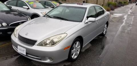 2005 Lexus ES 330 for sale at Howe's Auto Sales in Lowell MA