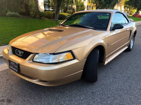 2000 Ford Mustang for sale at Donada  Group Inc in Arleta CA