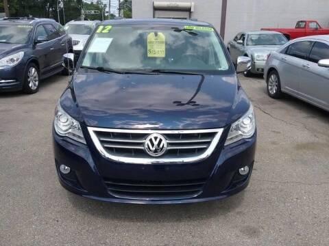 2012 Volkswagen Routan for sale at MICHAEL'S AUTO SALES in Mount Clemens MI