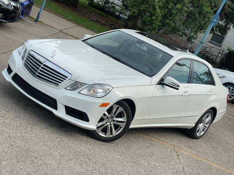 2010 Mercedes-Benz E-Class for sale at Exclusive Auto Group in Cleveland OH