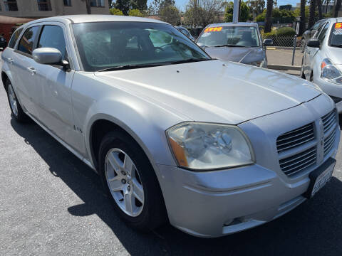 2006 Dodge Magnum for sale at CARZ in San Diego CA