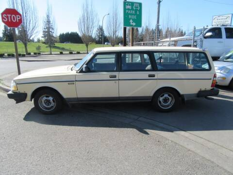1986 Volvo 240 for sale at Car Link Auto Sales LLC in Marysville WA