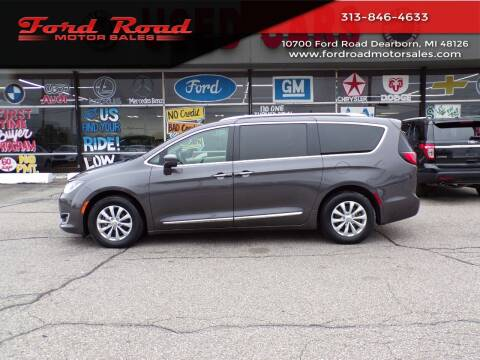 2018 Chrysler Pacifica for sale at Ford Road Motor Sales in Dearborn MI