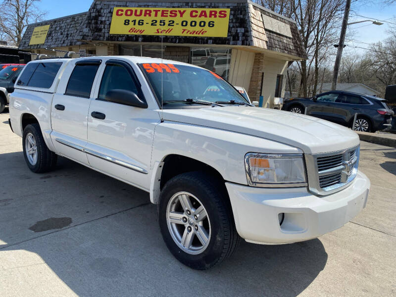 2009 Dodge Dakota for sale at Courtesy Cars in Independence MO