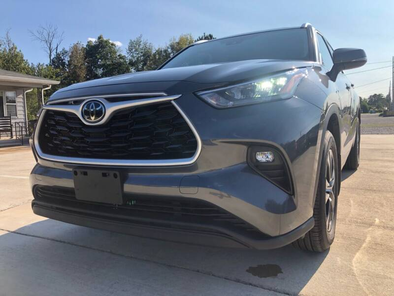 2020 Toyota Highlander for sale at A&C Auto Sales in Moody AL