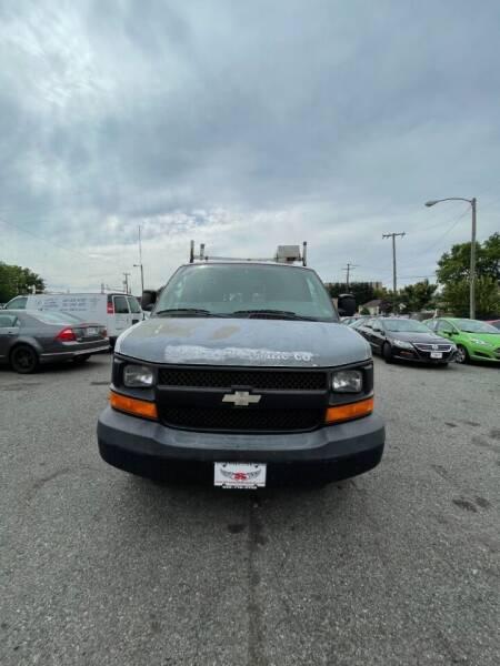 2009 Chevrolet Express Cargo for sale at Super Auto Sales & Service in Fredericksburg VA