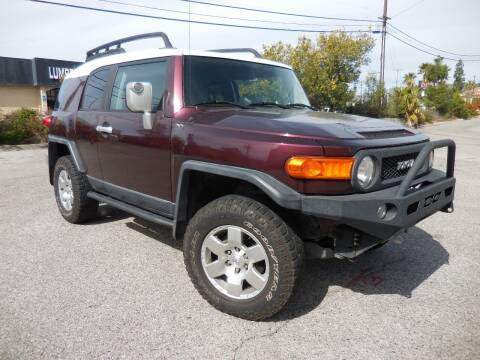 2007 Toyota FJ Cruiser for sale at ARAX AUTO SALES in Tujunga CA