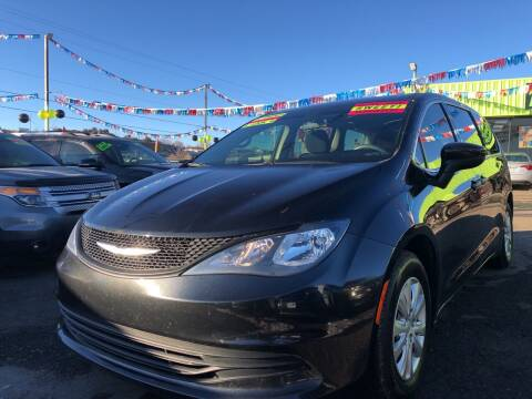 2018 Chrysler Pacifica for sale at 1st Quality Motors LLC in Gallup NM