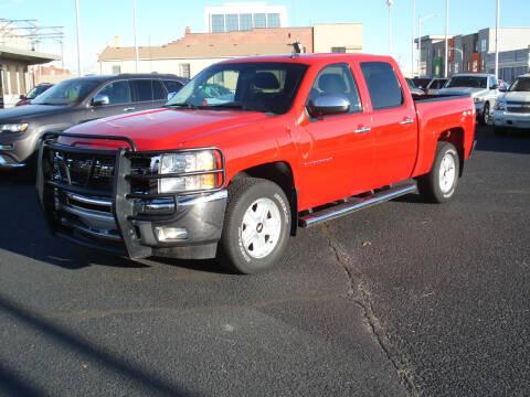 2013 Chevrolet Silverado 1500 for sale at Shelton Motor Company in Hutchinson KS