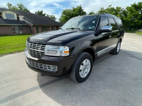 2014 Lincoln Navigator for sale at RODRIGUEZ MOTORS CO. in Houston TX