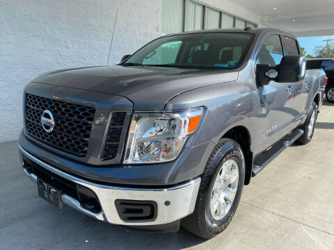 2019 Nissan Titan for sale at Powerhouse Automotive in Tampa FL