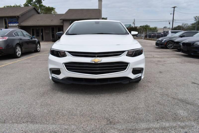 2018 Chevrolet Malibu for sale in Richardson, TX