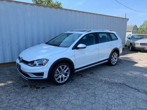 2017 Volkswagen Golf Alltrack for sale at Queen City Classics in West Chester OH
