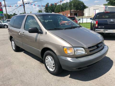 1999 Toyota Sienna for sale at Wise Investments Auto Sales in Sellersburg IN