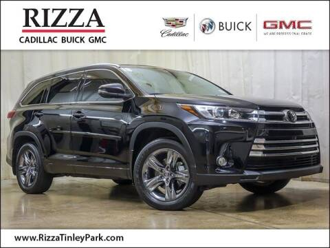 2018 Toyota Highlander for sale at Rizza Buick GMC Cadillac in Tinley Park IL