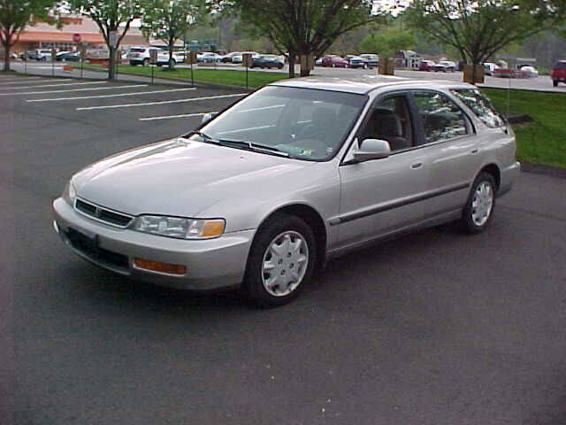1996 Honda Accord for sale at North Hills Auto Mall in Pittsburgh PA