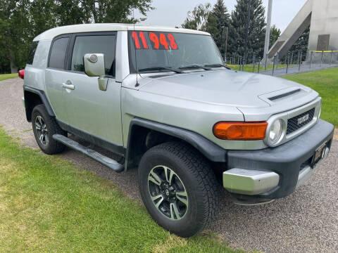 2007 Toyota FJ Cruiser for sale at BELOW BOOK AUTO SALES in Idaho Falls ID