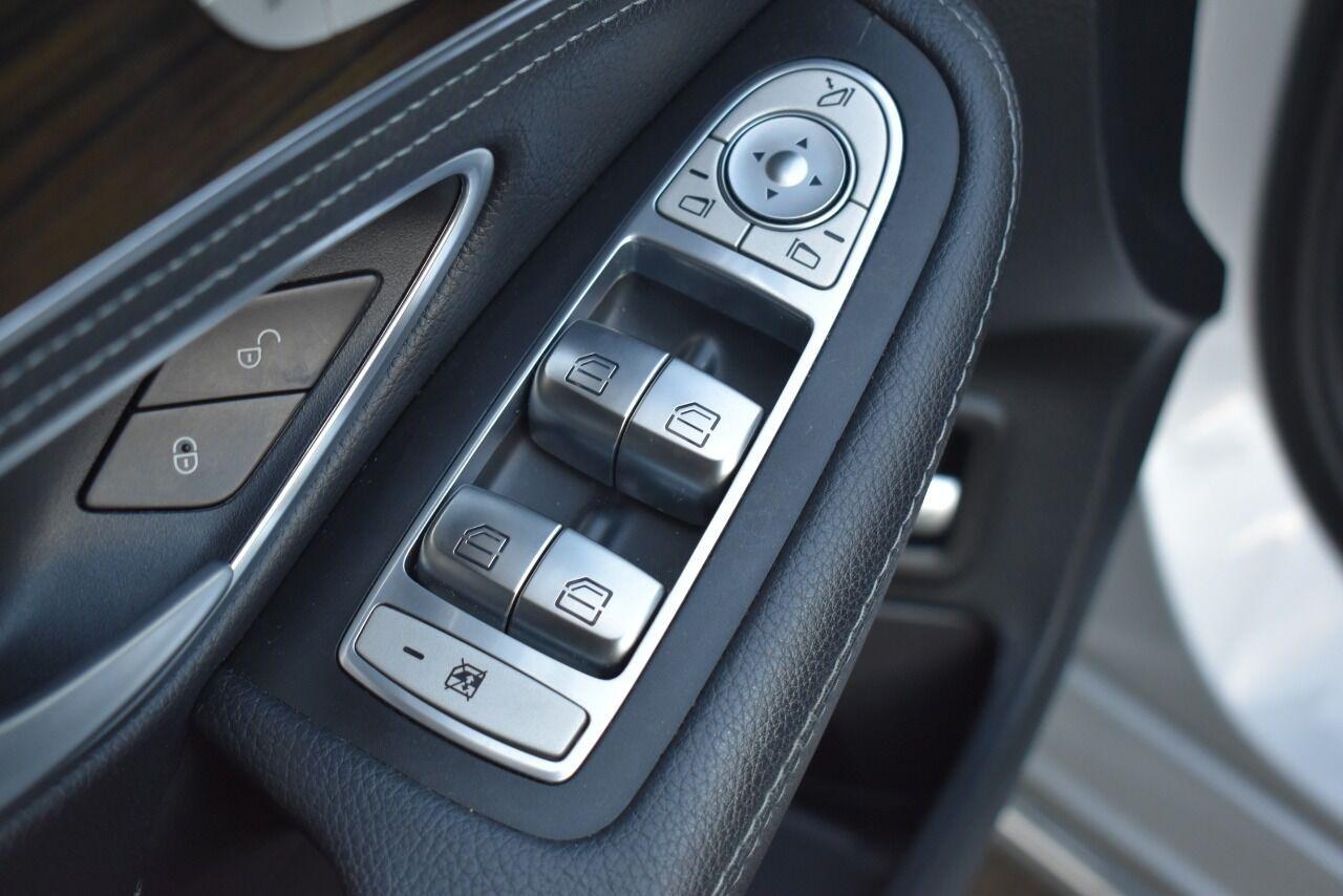 2015 Mercedes-Benz C-Class C 300 4MATIC AWD 4dr Sedan full