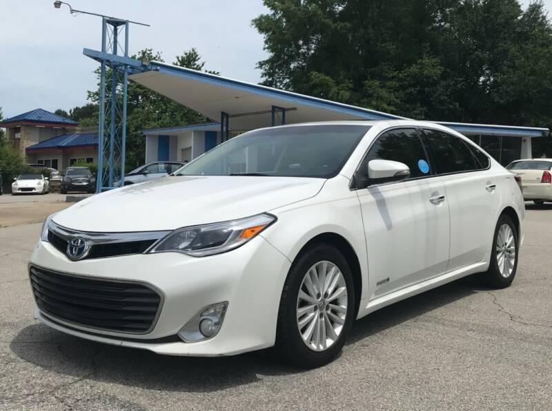 2015 Toyota Avalon Hybrid for sale at GR Motor Company in Garner NC
