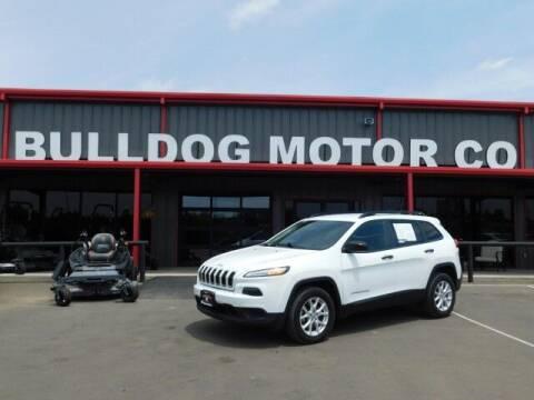 2017 Jeep Cherokee for sale at Bulldog Motor Company in Borger TX