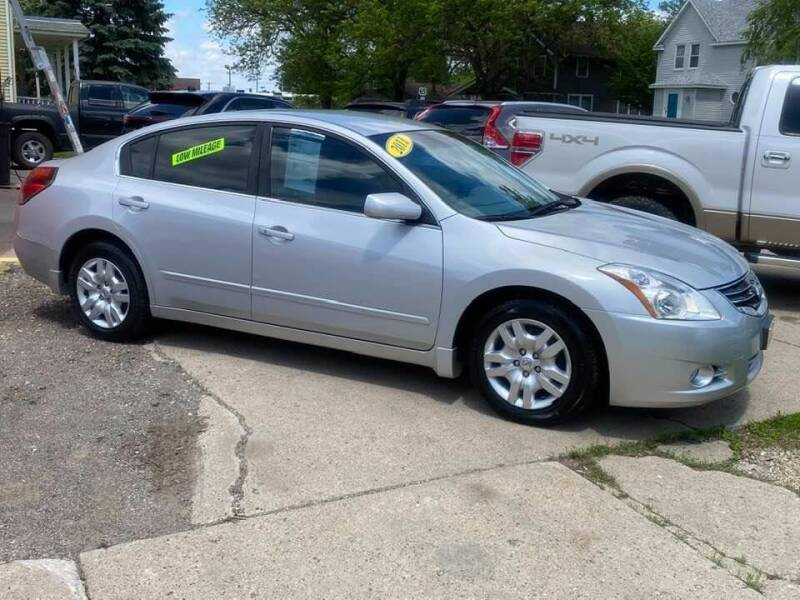 2011 Nissan Altima for sale at BROTHERS AUTO SALES in Hampton IA