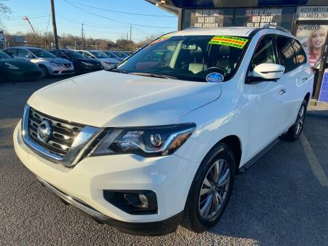 2020 Nissan Pathfinder for sale at Cow Boys Auto Sales LLC in Garland TX