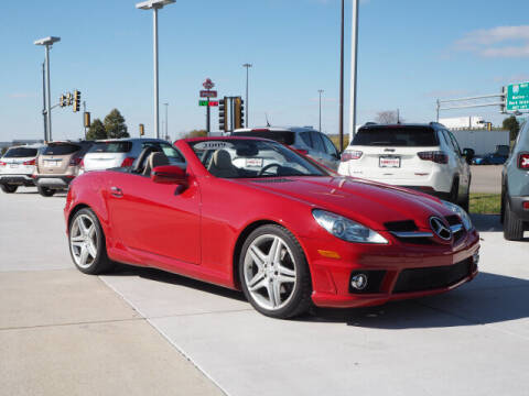 2009 Mercedes-Benz SLK for sale at SIMOTES MOTORS in Minooka IL