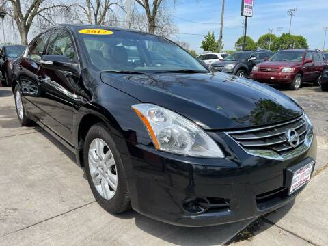 2012 Nissan Altima for sale at Direct Auto Sales in Milwaukee WI