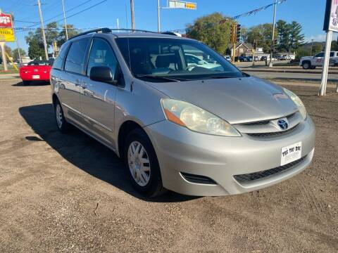 2006 Toyota Sienna for sale at Toy Box Auto Sales LLC in La Crosse WI
