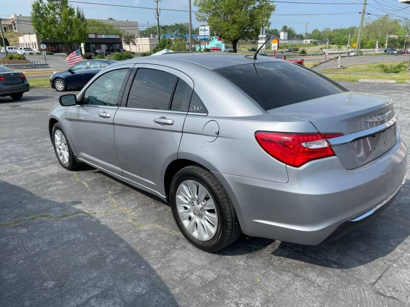 2013 Chrysler 200 for sale at Country Auto Sales Inc. in Bristol VA