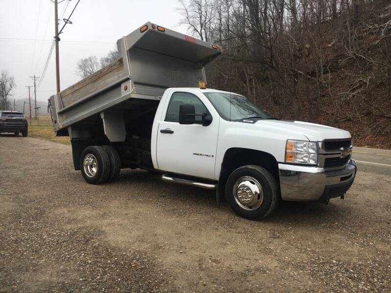 2009 Chevrolet Silverado 3500HD CC for sale at DONS AUTO CENTER in Caldwell OH